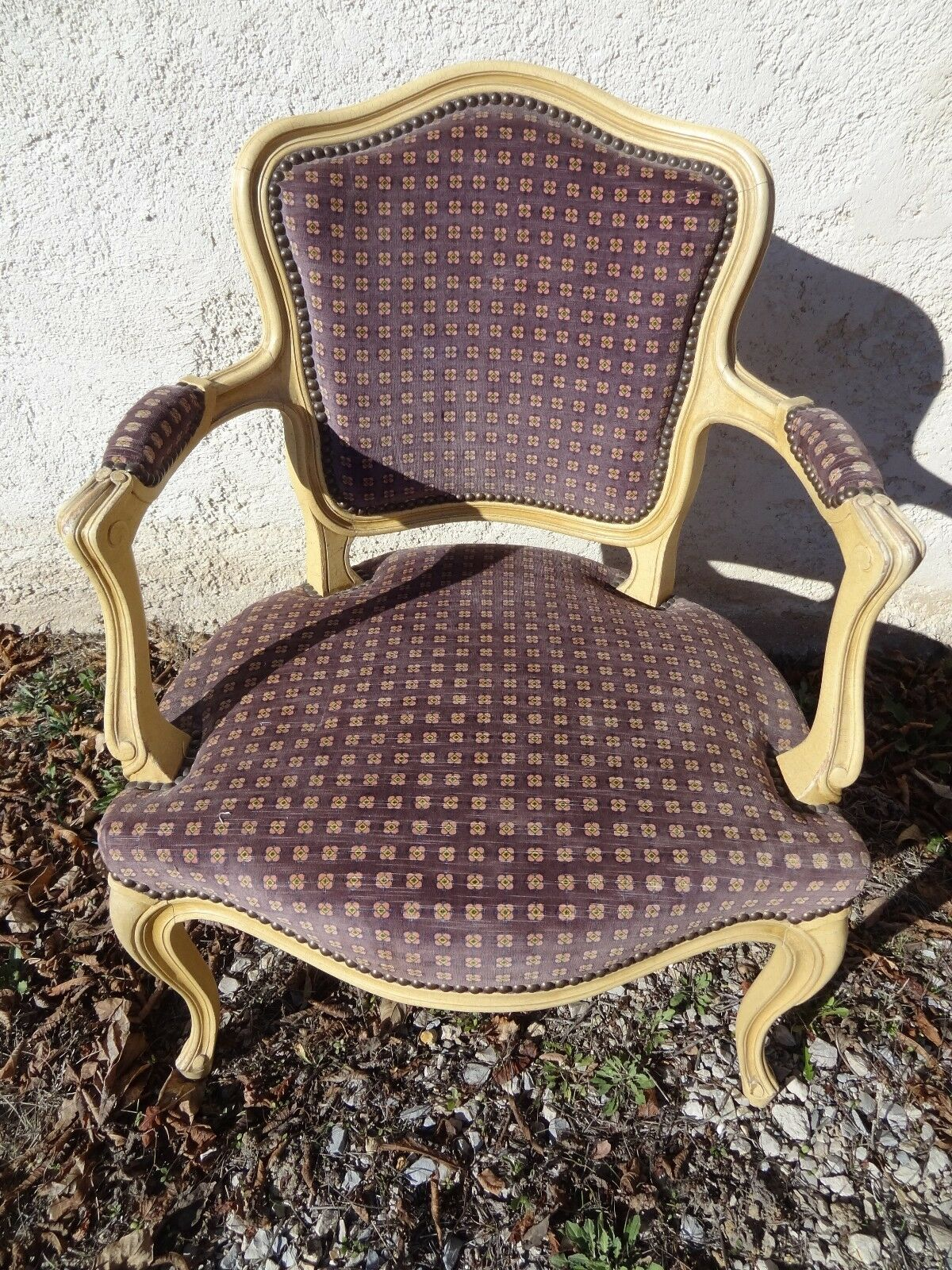 ancien fauteuil cabriolet rev tement velours violet de style louis xv eur 99 00 picclick fr. Black Bedroom Furniture Sets. Home Design Ideas