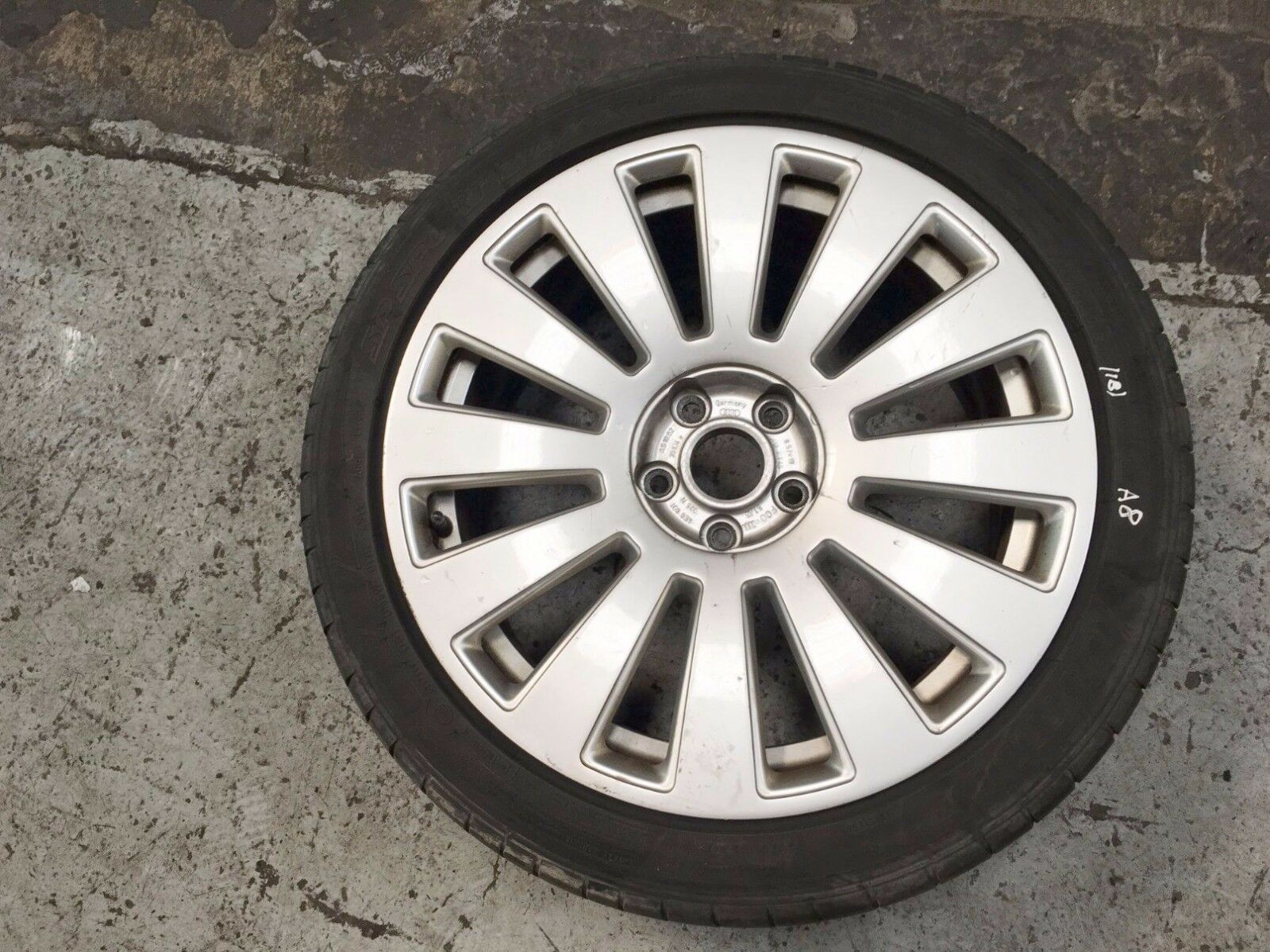 """2008 AUDI A8 D3 19"""" ALLOY WHEEL AND TYRE 255 40R19 4E N 8 5"""