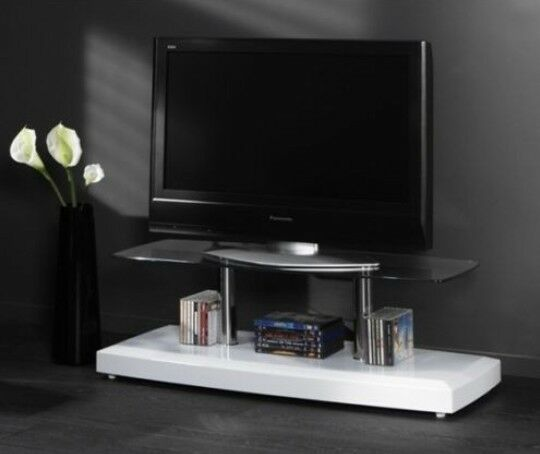 tv m bel fernsehtisch bodenplatte hochglanz wei glasplatte sicherheitsglas. Black Bedroom Furniture Sets. Home Design Ideas