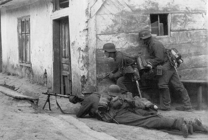 MG34 in action photo, MG 34 WWII, German WW2 MG42