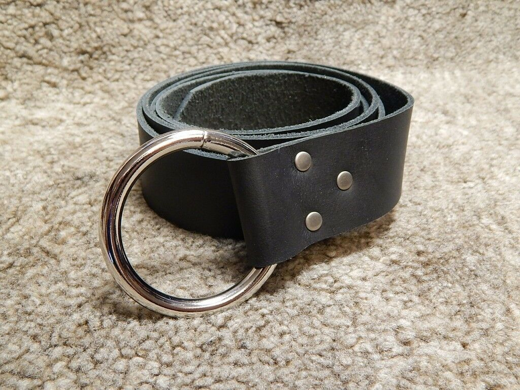 leather belt with single or o ring for