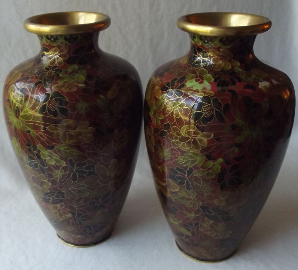 gorgeous pair of large vintage jingfa fine chinese cloisonne vases 9 1 2 t cad. Black Bedroom Furniture Sets. Home Design Ideas