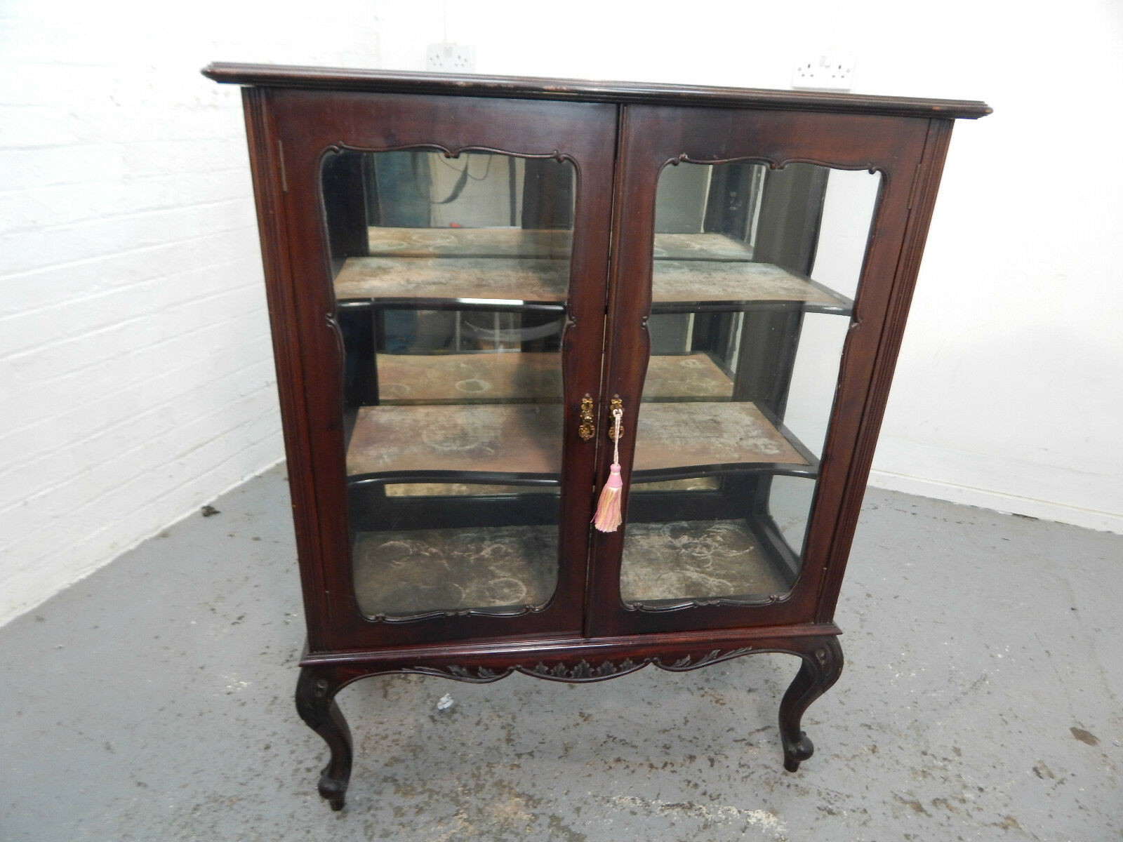 antique,victorian,mahogany,bookcase,cabinet,glazed doors,cabriole legs,shelves