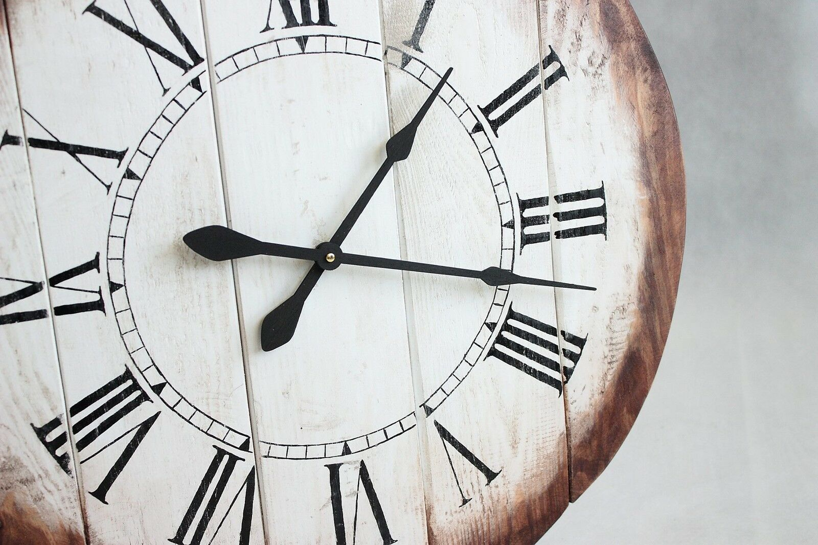 Roman Reclaimed Pallet Wood Wall Clock Industrial Vintage Rustic Retro Chabby