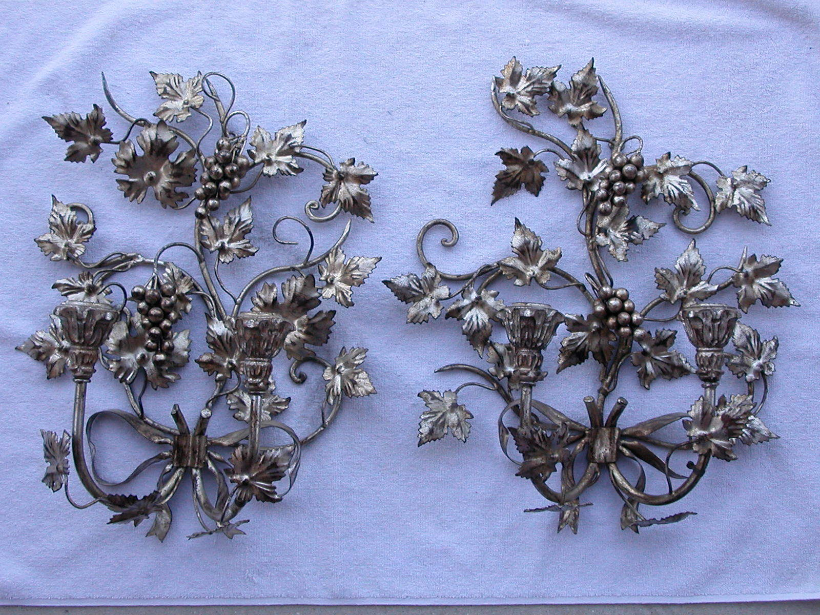 VTG Pair Toleware Italy Silver Grape & Leaf Candle Sconces 18X16 Tole Metal Wood