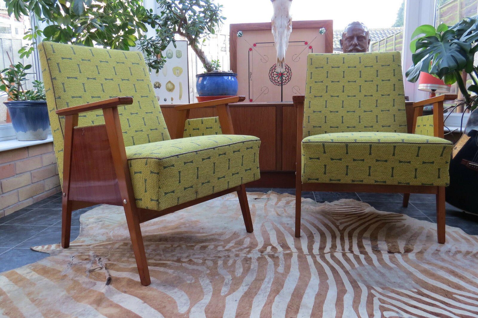 A Pair Of Green Vintage East German Cocktail Lounge Armchairs Circa 1965 J16A1