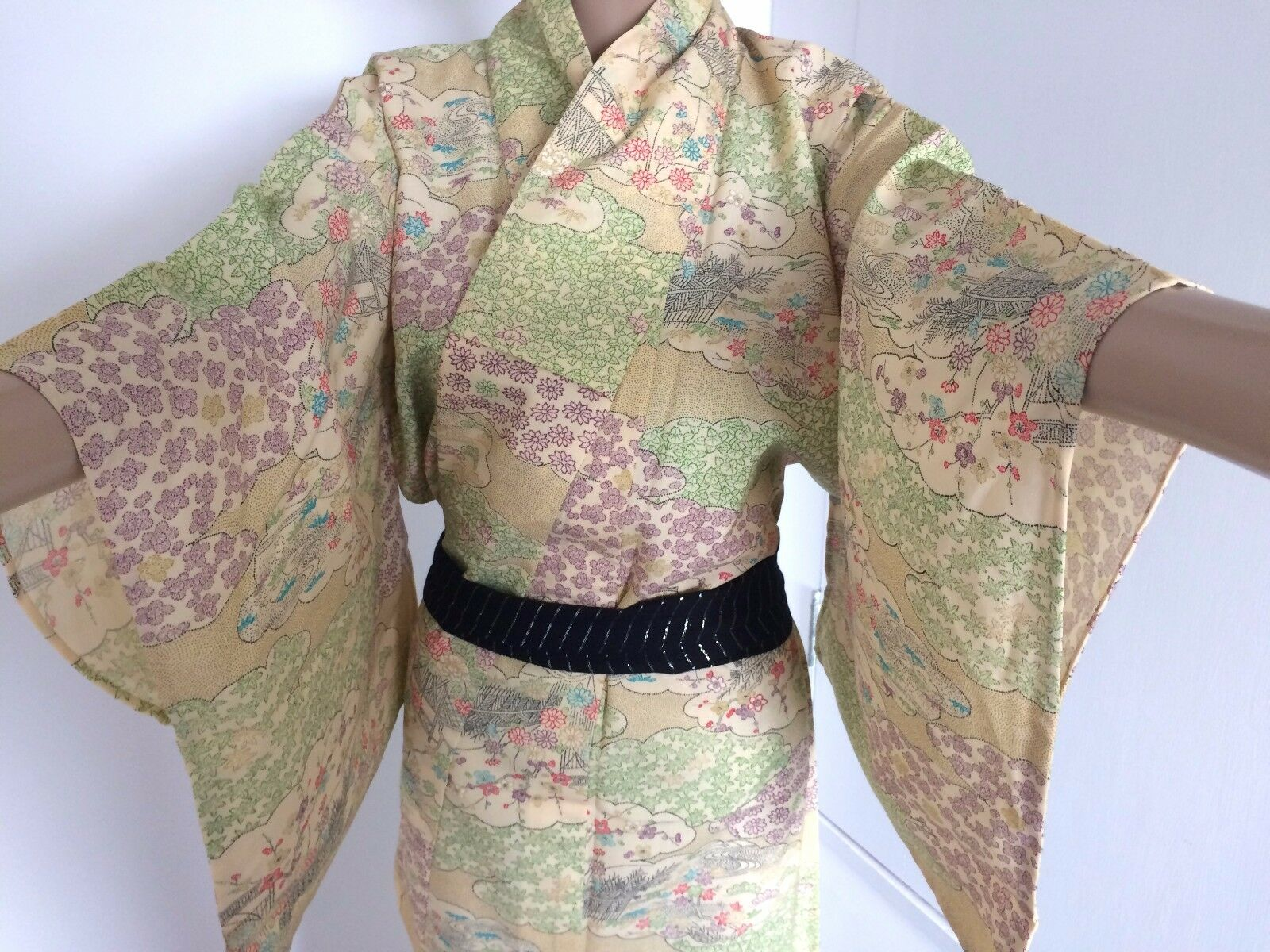 Authentic vintage Japanese women's kimono, silk, yellow/flowers (G338)