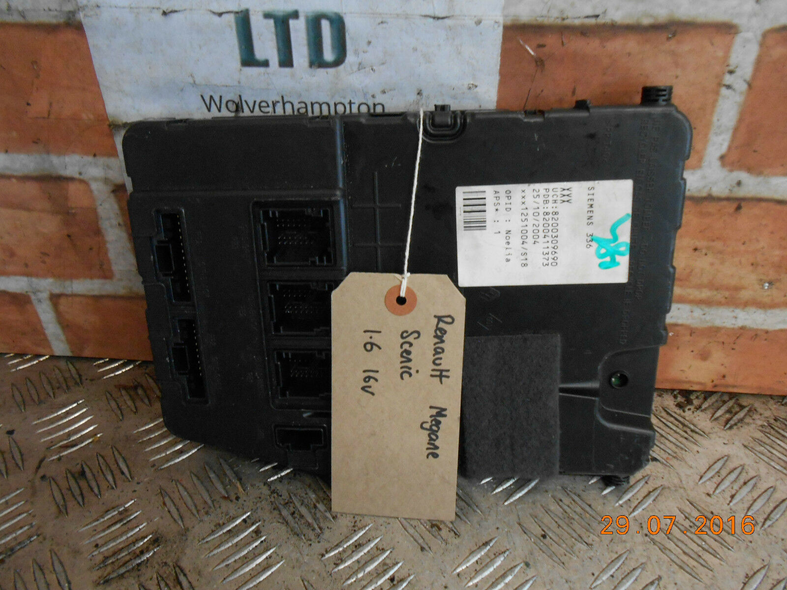 Renault Megane Scenic Mk2 2006 1.6 16V Bsi Fuse Box Module 8200309690 1 of  4Only 1 available ...