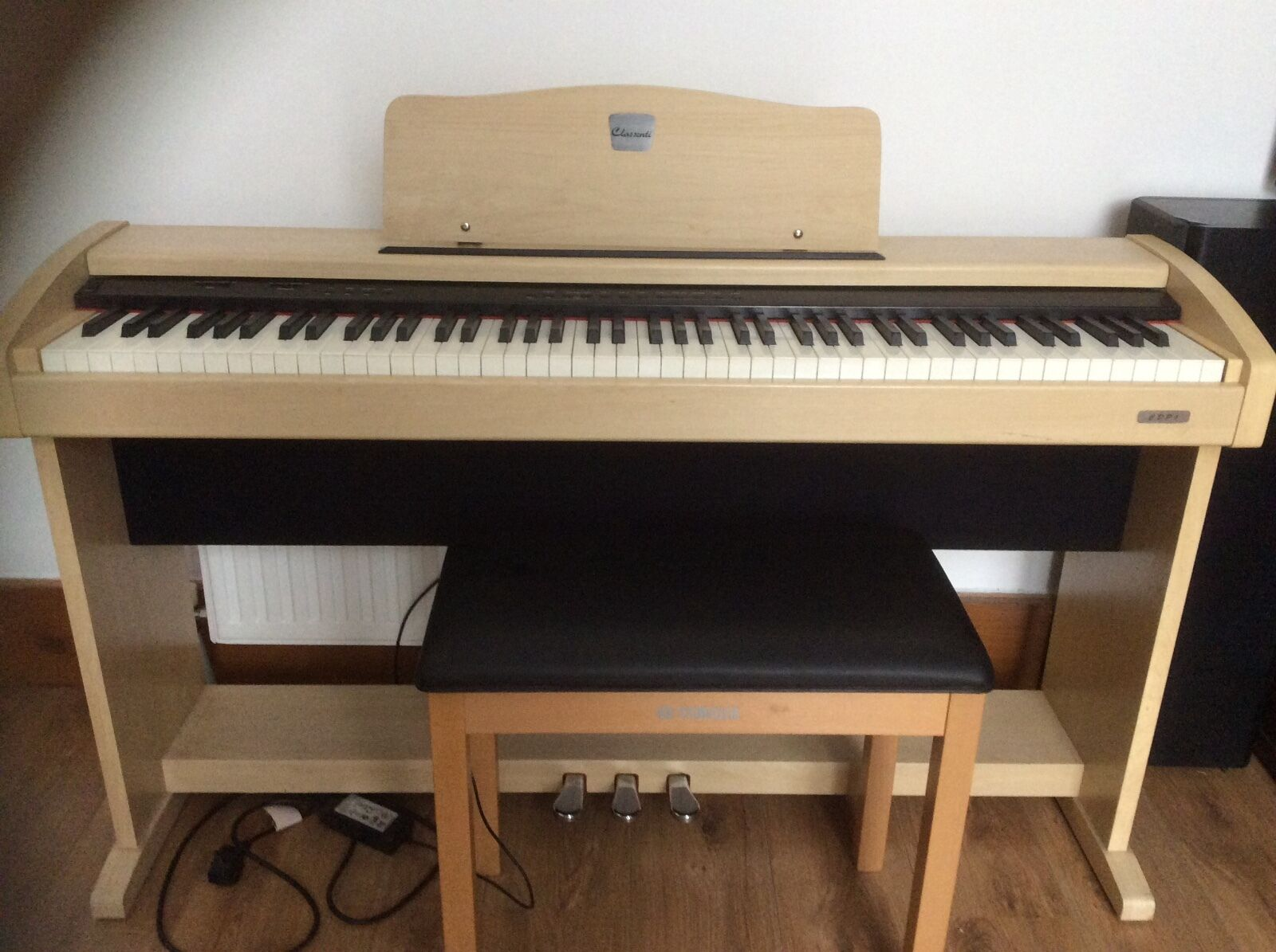 clssenti cdp1 digital electric piano with yamaha stool. Black Bedroom Furniture Sets. Home Design Ideas
