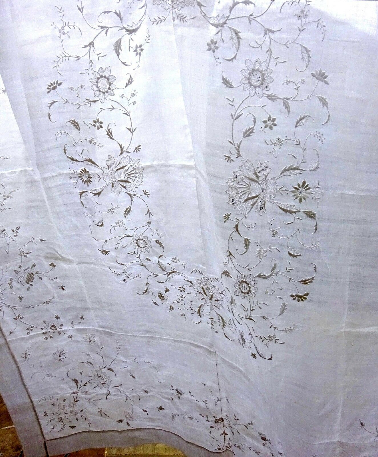 pi a banquet cloth hand embroidered linen tablecloth antique vintage wedding picclick uk. Black Bedroom Furniture Sets. Home Design Ideas
