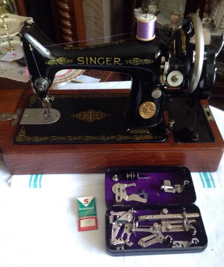 Vintage singer sewing machine 99k with suitcase and black for Decor 99 sewing machine