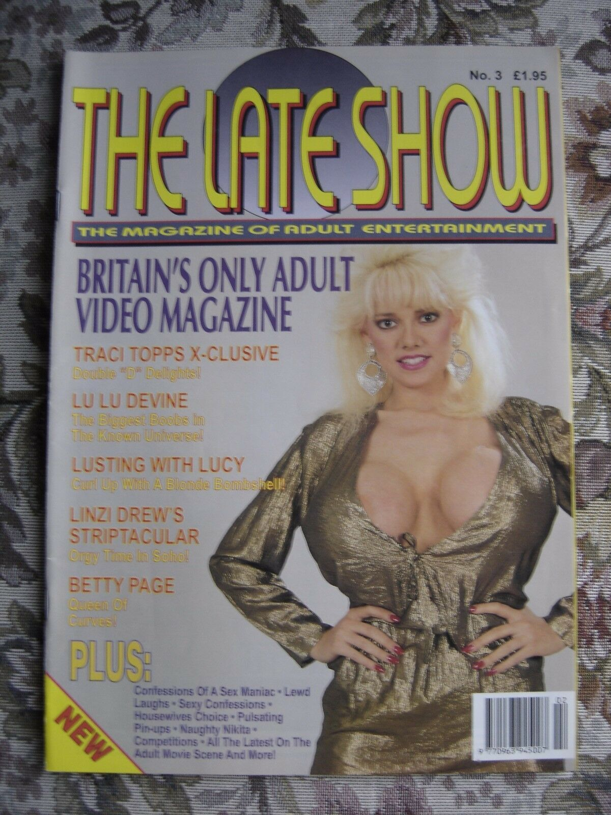 VINTAGE Glamour Magazine March 1977 Christie Brinkley cover