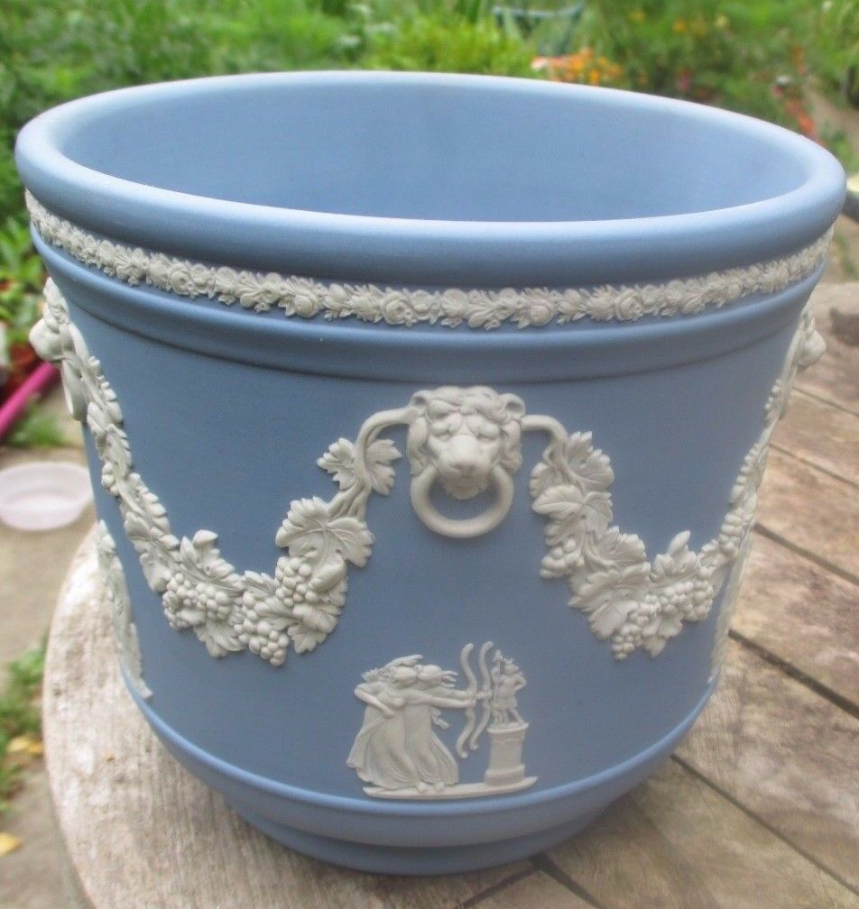 wedgwood jasper ware blue jardiniere plant pot picclick uk. Black Bedroom Furniture Sets. Home Design Ideas