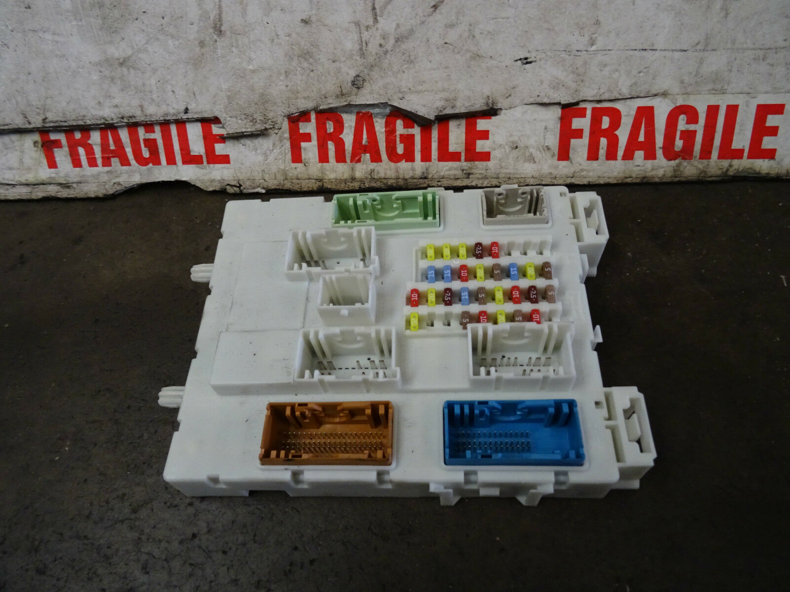 Ford Focus Fuse Box Bv6n 14a073 Ft 2011 14 Match Codes 4000 2012 1 Of 12only 4 Available