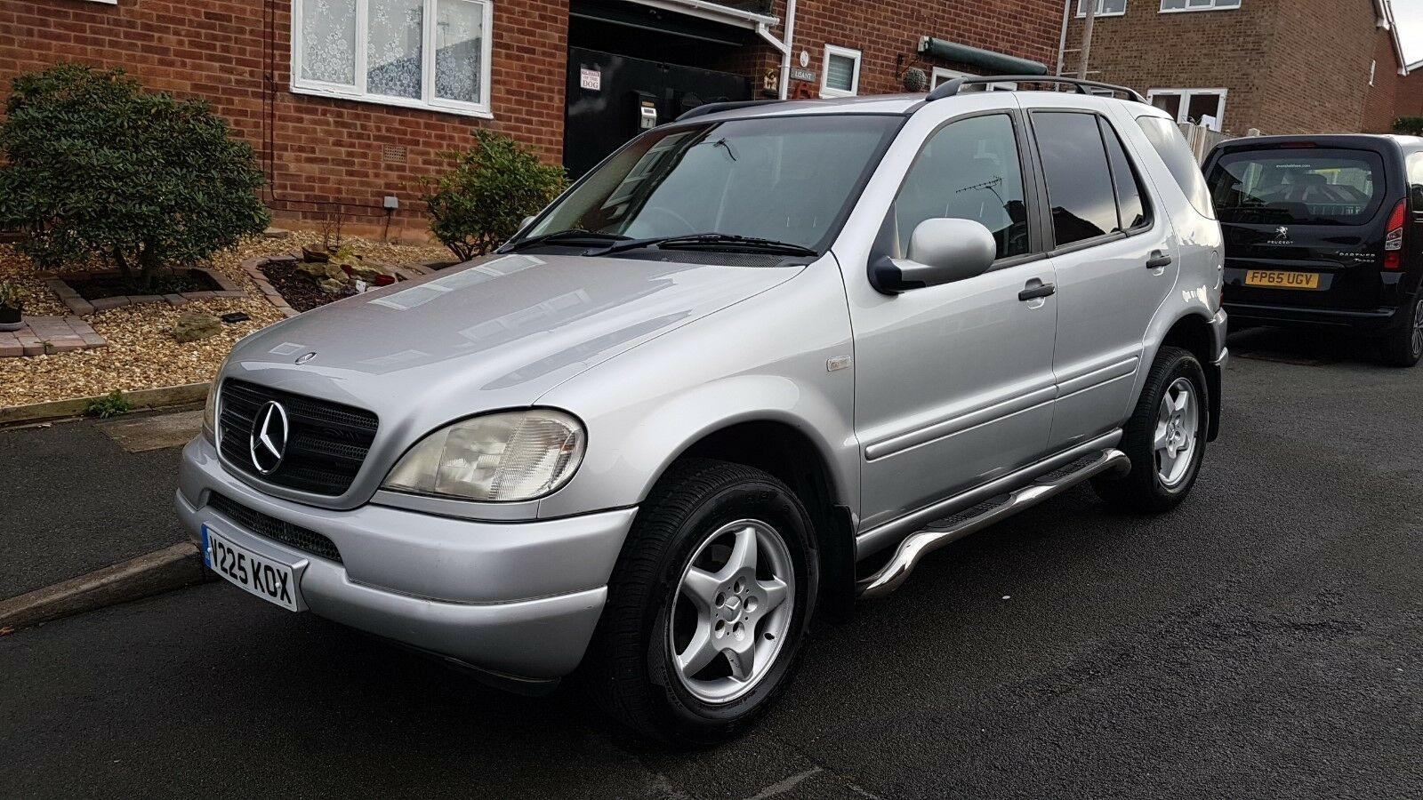 2000 mercedes ml 320 automatic heated leather 4x4 v6 silver fsh 1 picclick uk. Black Bedroom Furniture Sets. Home Design Ideas