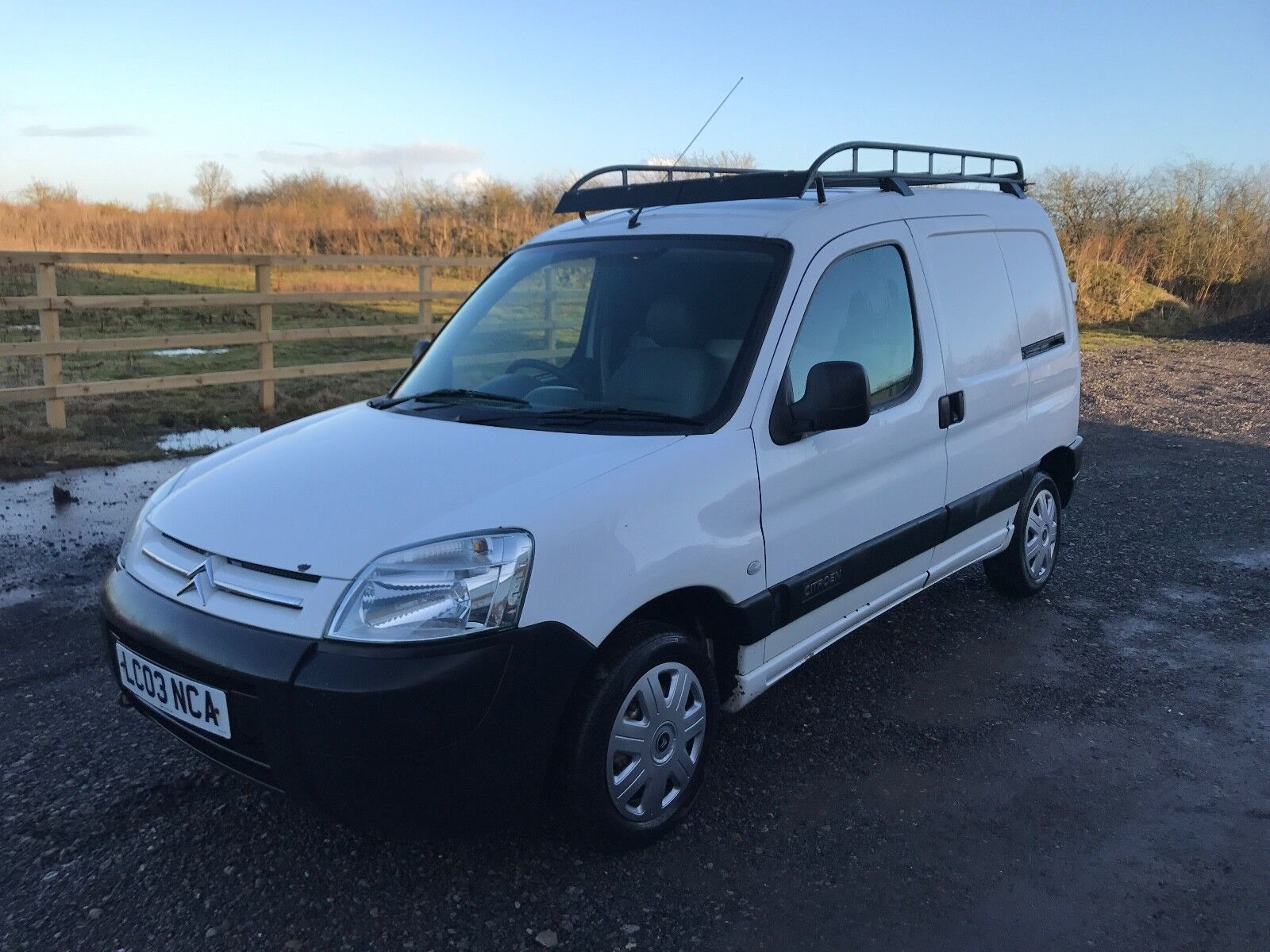 2003 citroen berlingo 1 9d 800 lx van white 120k mot failure spares or repair. Black Bedroom Furniture Sets. Home Design Ideas
