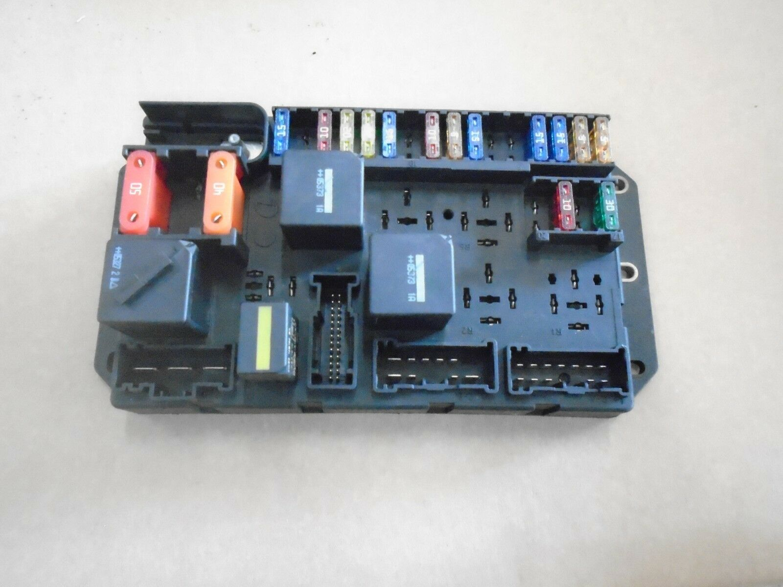 Land Rover Range Rover L322 4.2 Supercharged V8 Engine Bay Fuse Box  Yqe500090 1 of 1Only 1 available ...