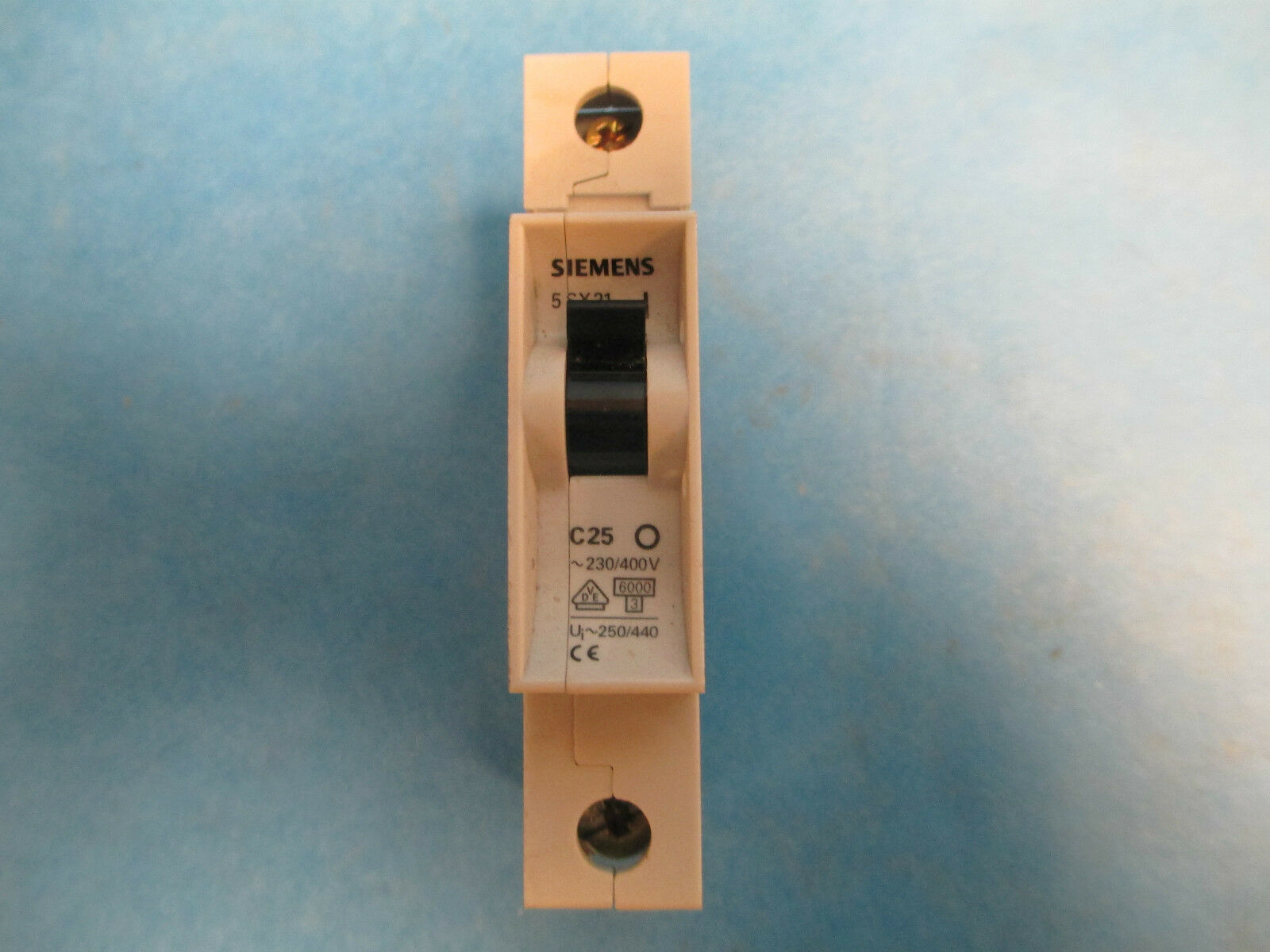 Siemens Circuit Breaker 5sx21 C25 1p 25a 230 400v 2000 Picclick Details About C5 5 Amp 1 Of 4only 4 Available