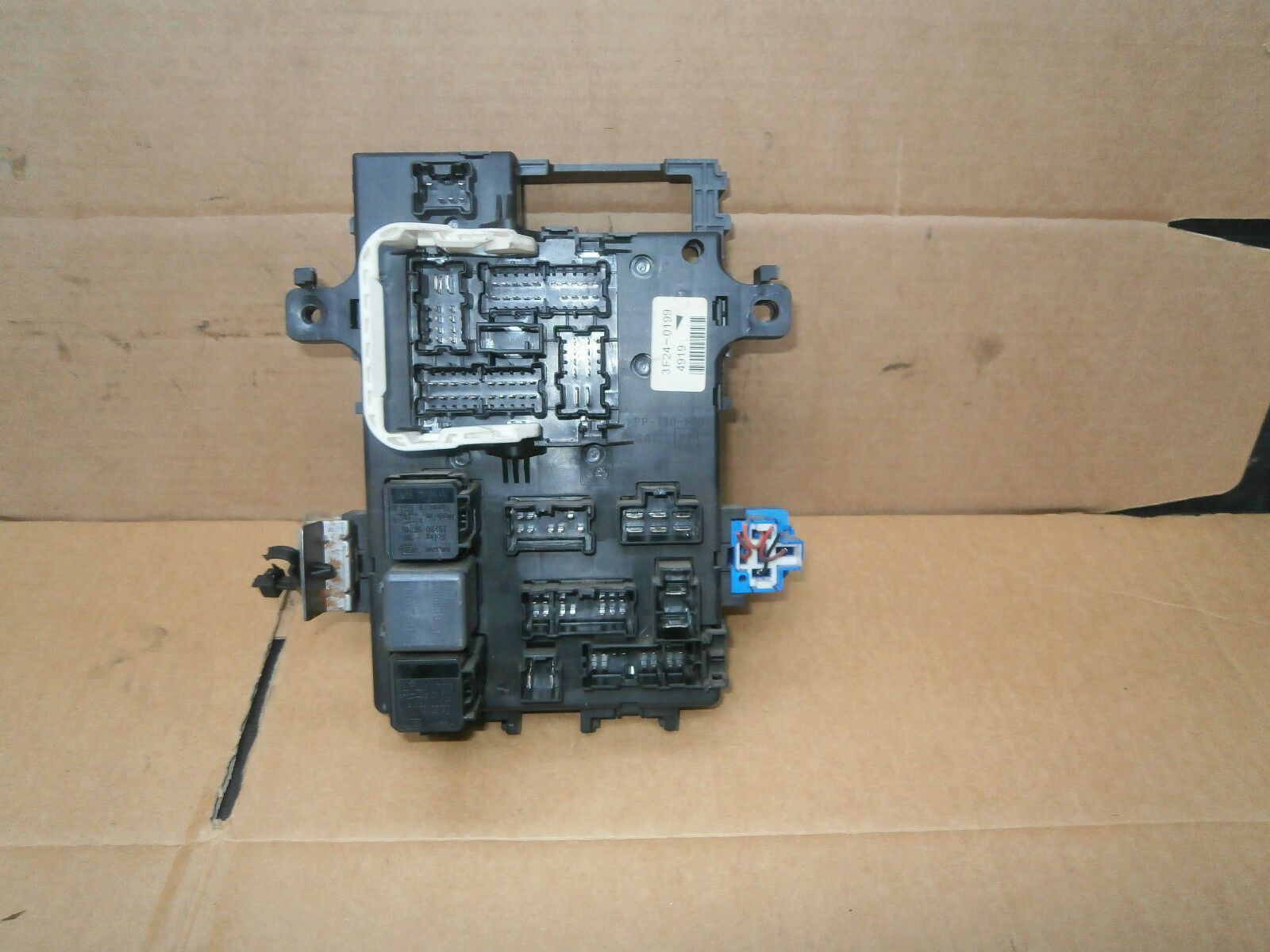 Nissan Terrano 2003 Interior Fuse Box 3f24 0199 5995 Picclick Uk Ford 6610 1 Of 1only Available