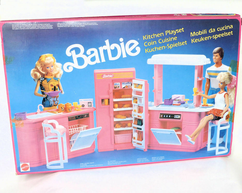 Barbie play all day kitchen