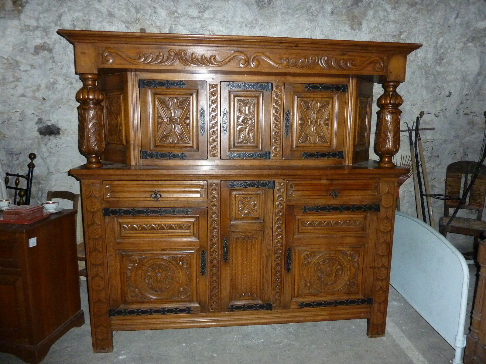 ref 728 buffet deux corps rustique en ch ne massif meuble ancien sculpt eur 70 00 picclick fr. Black Bedroom Furniture Sets. Home Design Ideas