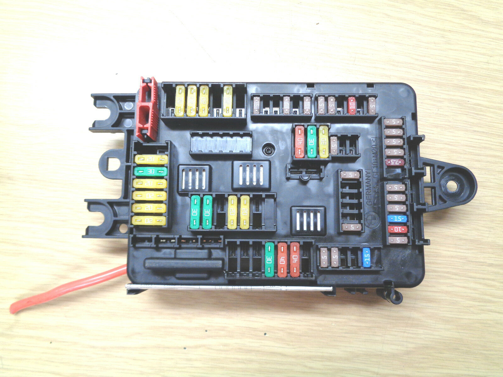 Bmw 1 2 3 Series F20 F22 F30 Fuse Box & Map 9389070 9389074 1 of 2Only 1  available ...