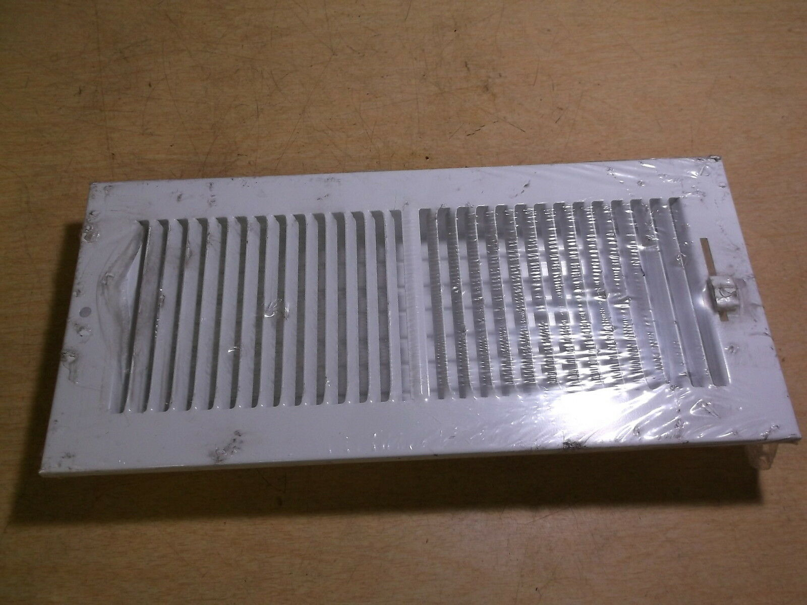 """NEW Hart & Cooley 10"""" x 4"""" White vent Cover W140816 661 *FREE SHIPPING*"""