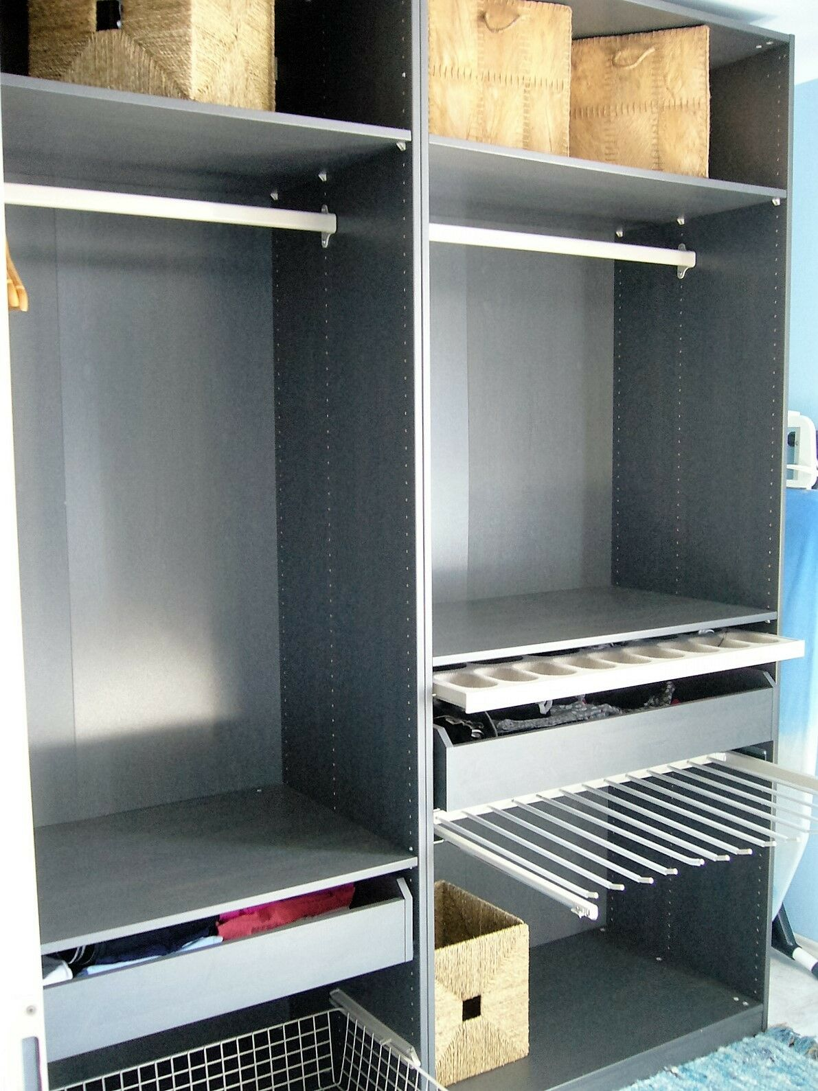 ikea pax kleiderschrank komplement grau 2 meter breit neupreis 600 eur eur 350 00 picclick de. Black Bedroom Furniture Sets. Home Design Ideas