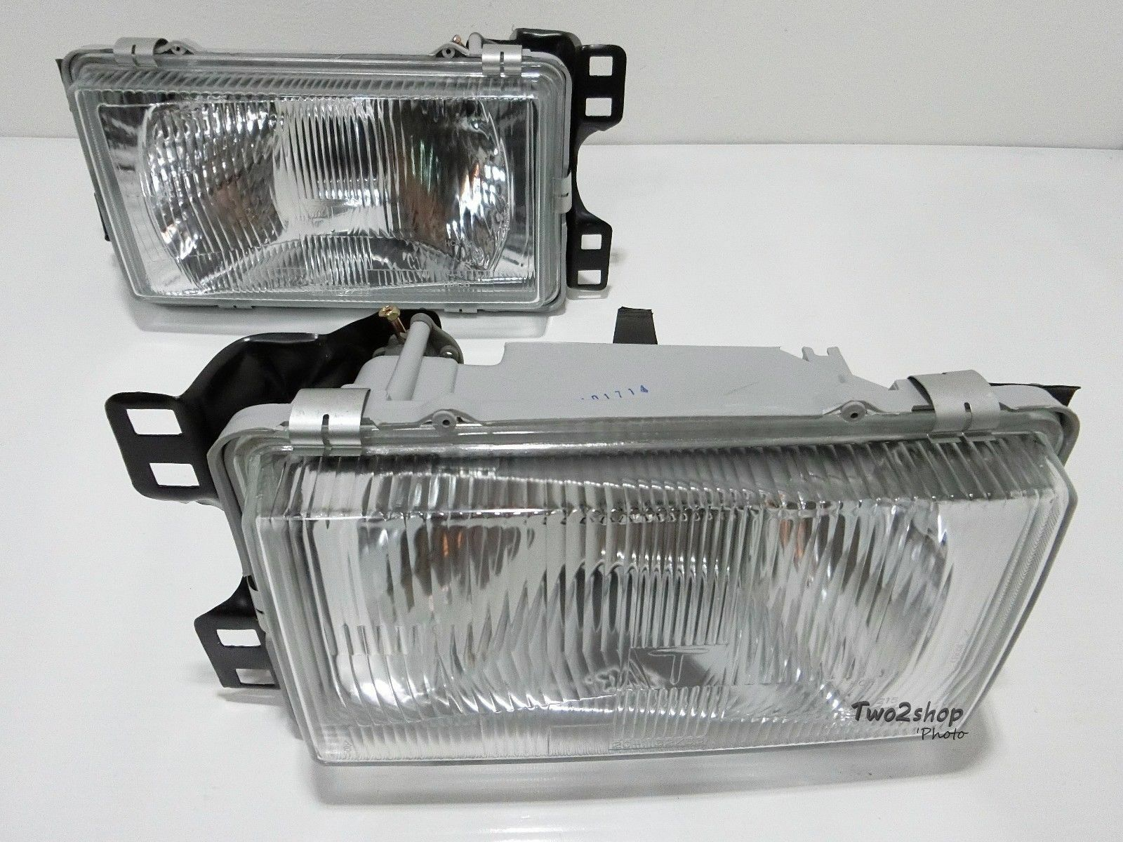 Toyota Corolla E70 E71 Ke70 Te71 Te72 Gl Spec Model Headlight Head Bmw E39 Angel Corner Signal Socketwiring Connectorbulb 1 Of 5only Available