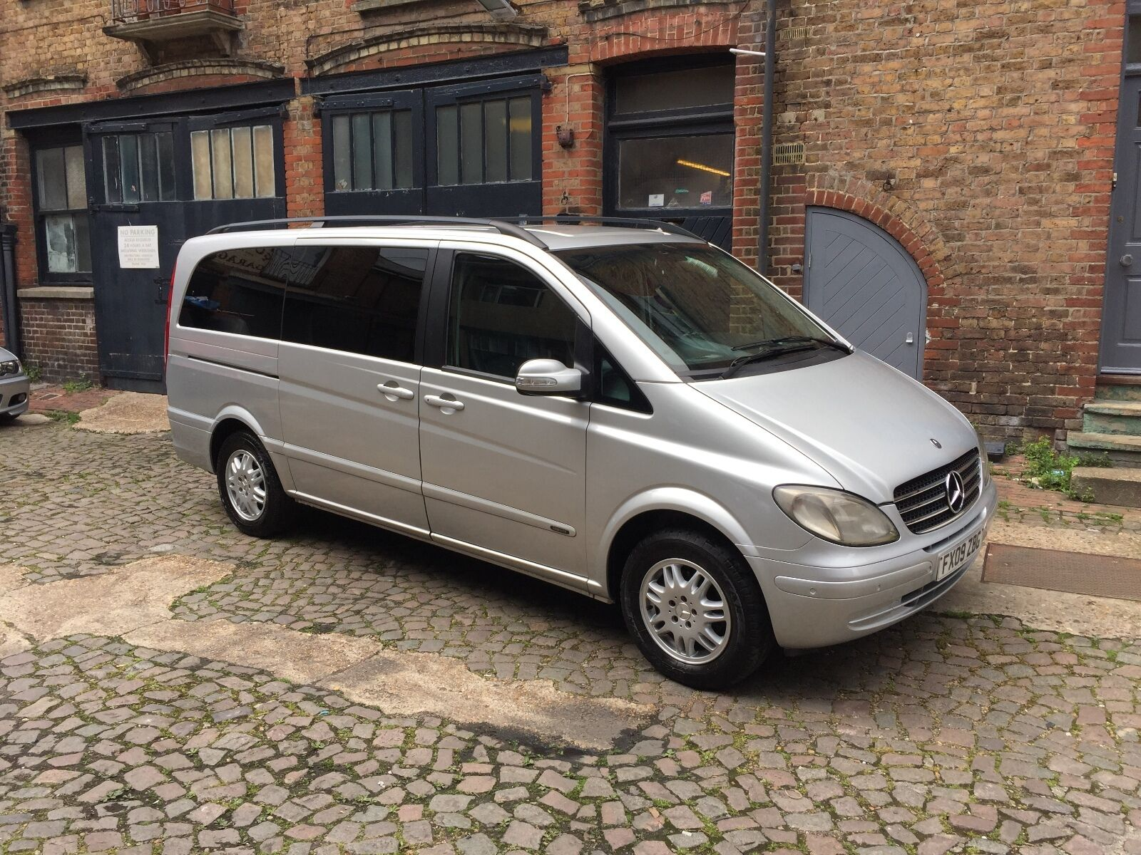 2009 mercedes benz viano ambiente 2 1 cdi 8 seater for Mercedes benz 2 seater