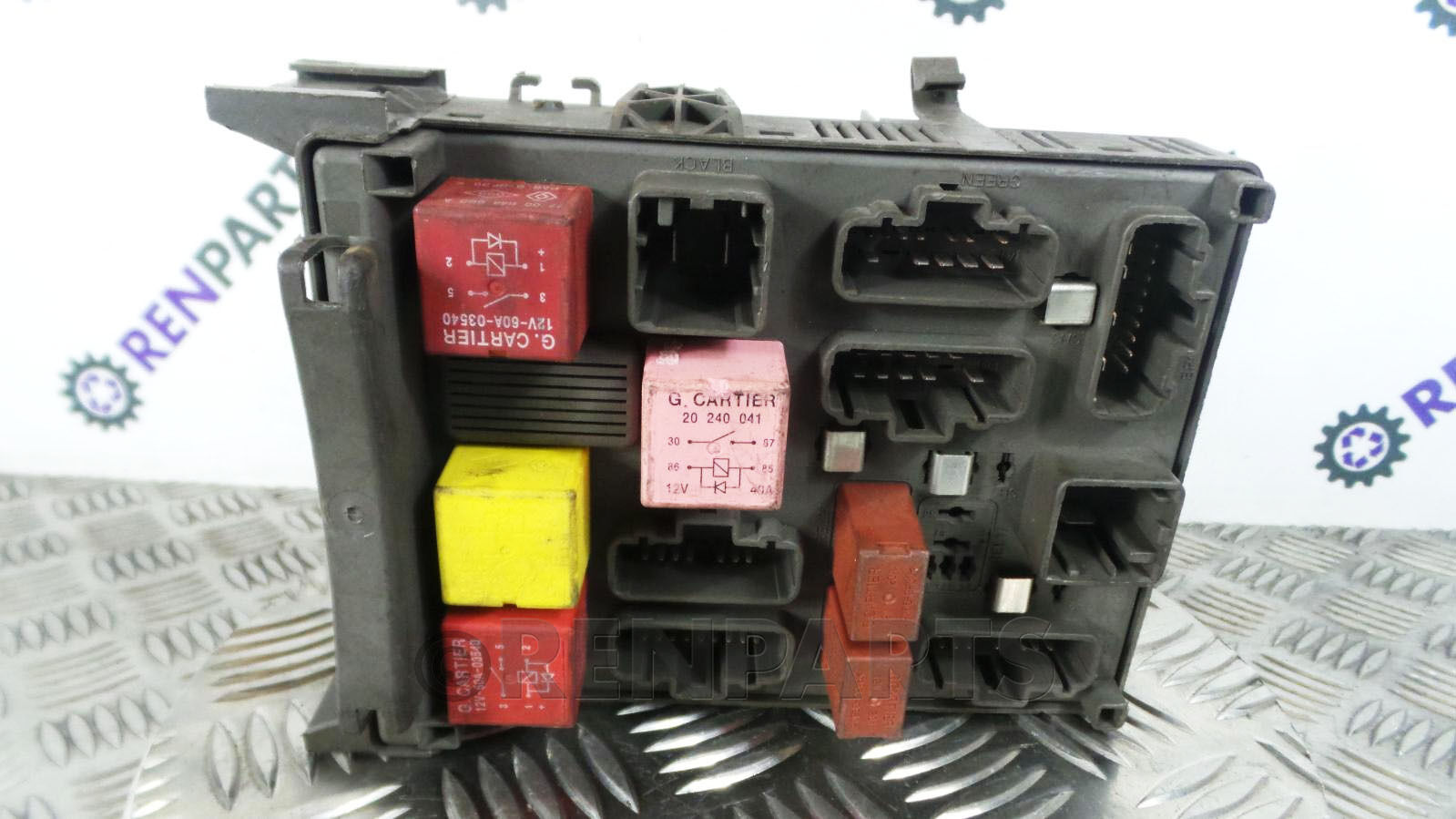 Renault Laguna II 2001-2007 Dashboard Fuse Box Relay 8200283811 8200004201  BCU 1 of 3Only 1 available ...
