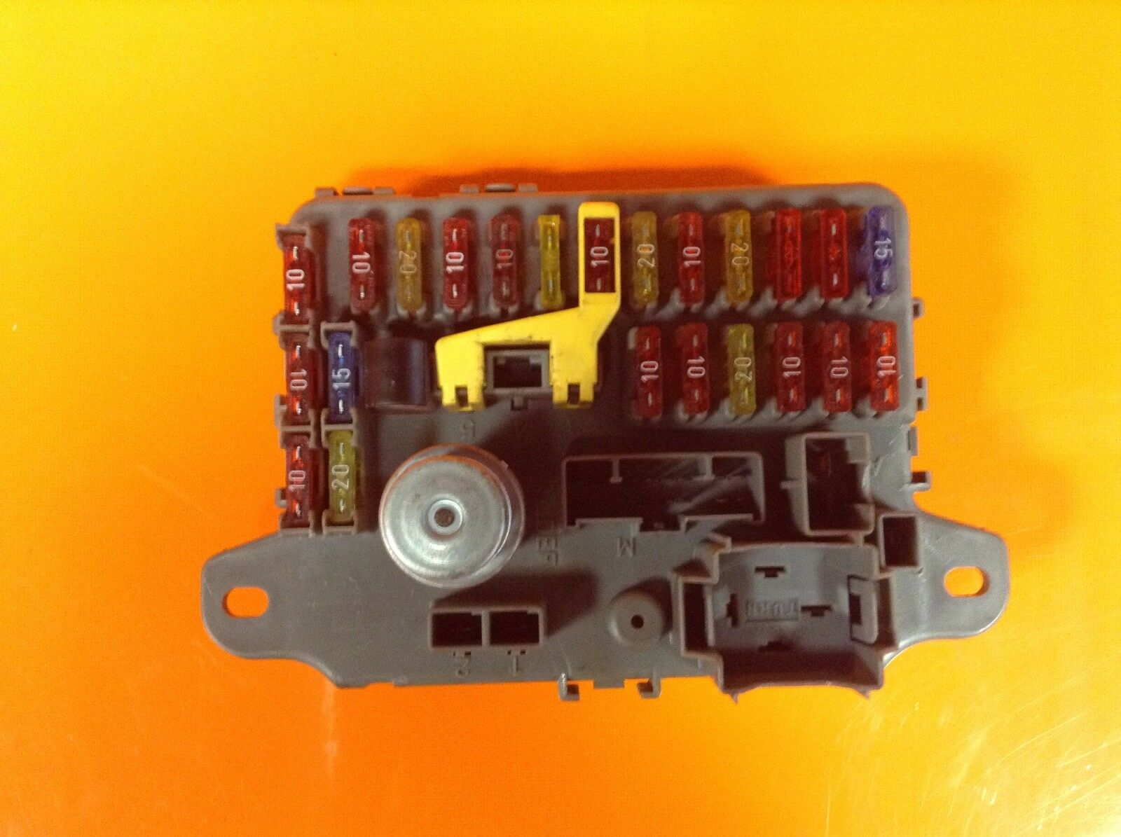 Land Rover Discovery 1 300 Tdi Under Dash Fuse Box Amr1552 1495 1998 Of 2only 2 Available