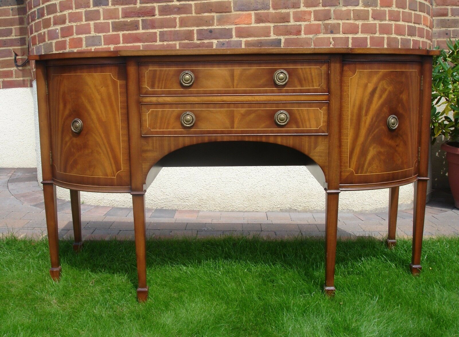 Antique style bow front sideboard g t rackstraw of for Sideboard vintage look