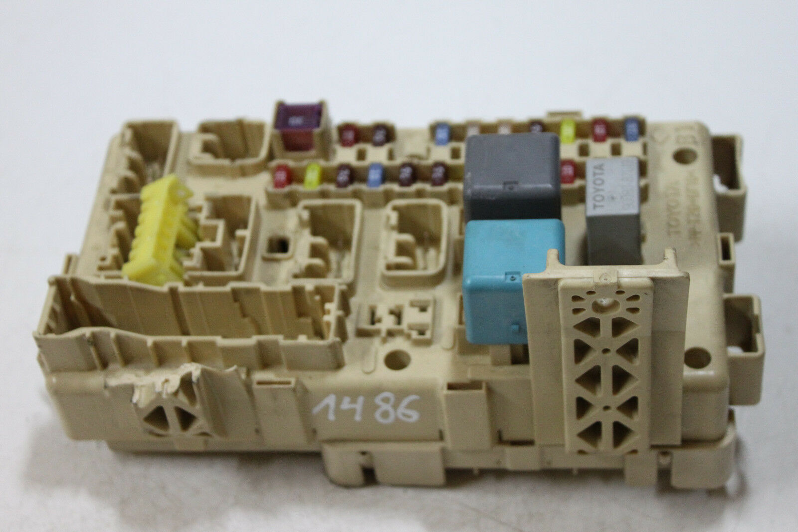 #1486 Original TOYOTA COROLLA VERSO, FUSE BOX 89221-0F020 / 892210F020 1 of  7Only 2 available See More