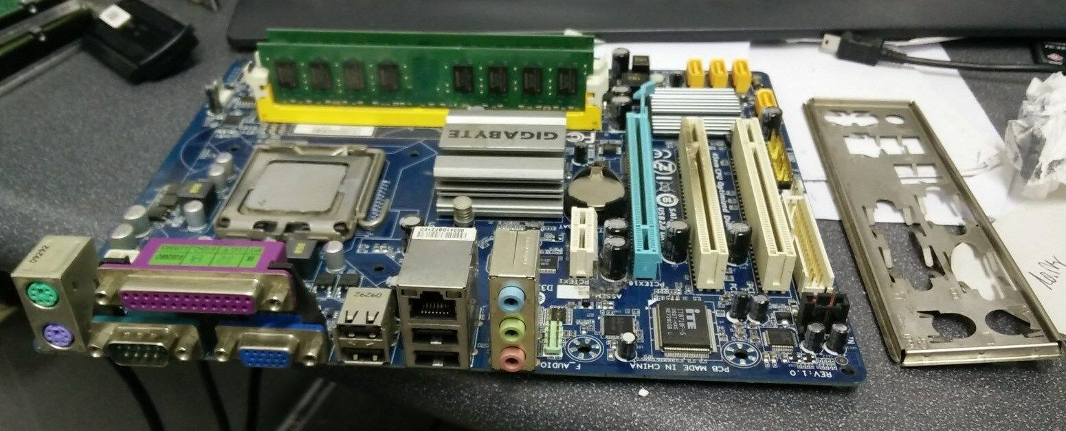 Gigabyte Intel Ga G41m Es2l Lga775 Micro Atx Motherboard W E7500 Cpu G41 1 Of 1only 2 Available