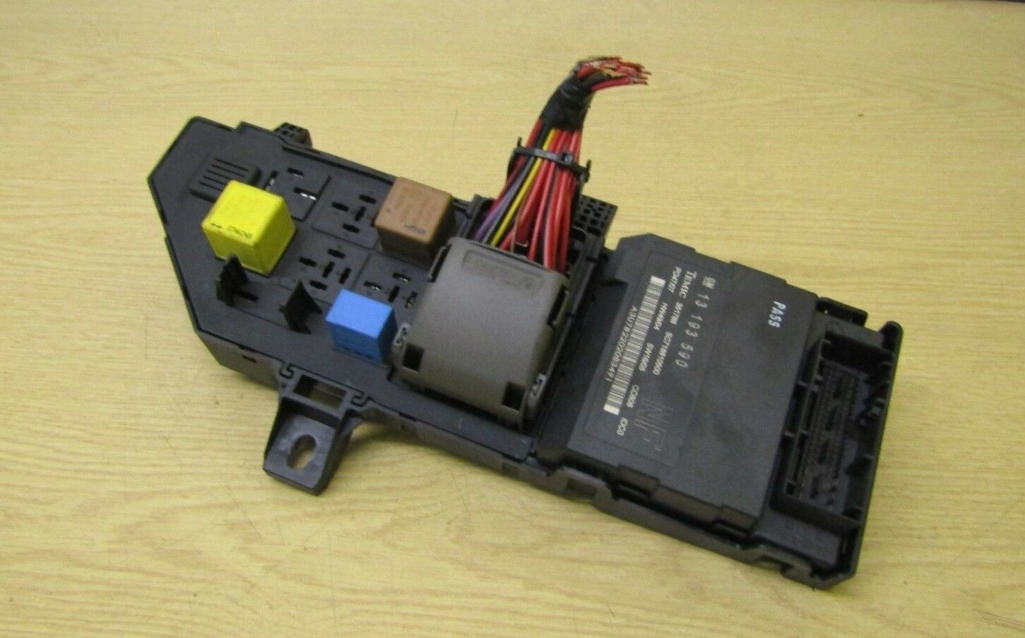 Vauxhall Vectra C Fuse Box & Body Control Unit Ecu 13223678 13193590  13193590 1 of 3Only 2 available ...