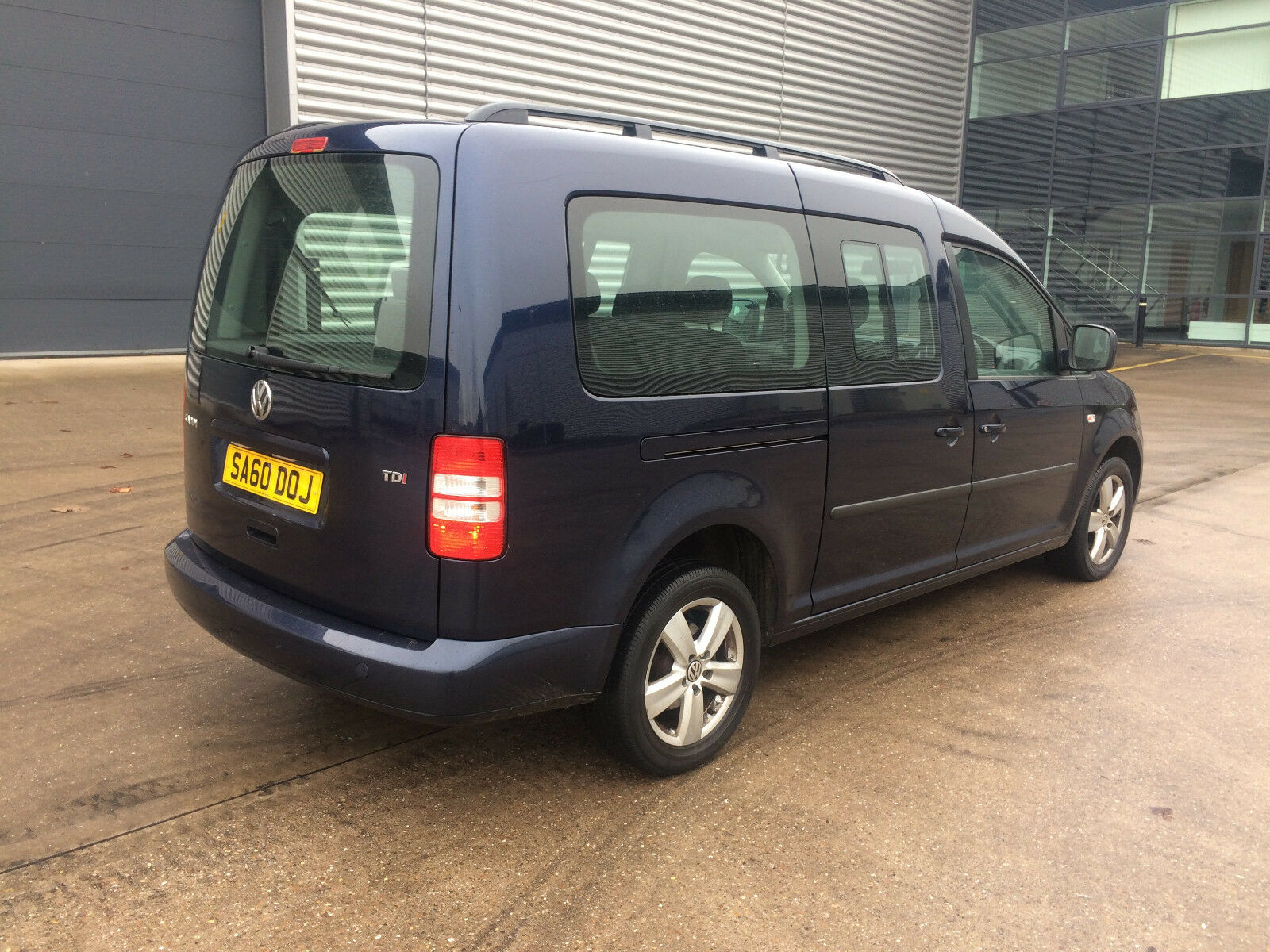 2011 volkswagen caddy maxi c20 life tdi blue 7 seats 1 6 diesel bargain 4 picclick uk. Black Bedroom Furniture Sets. Home Design Ideas
