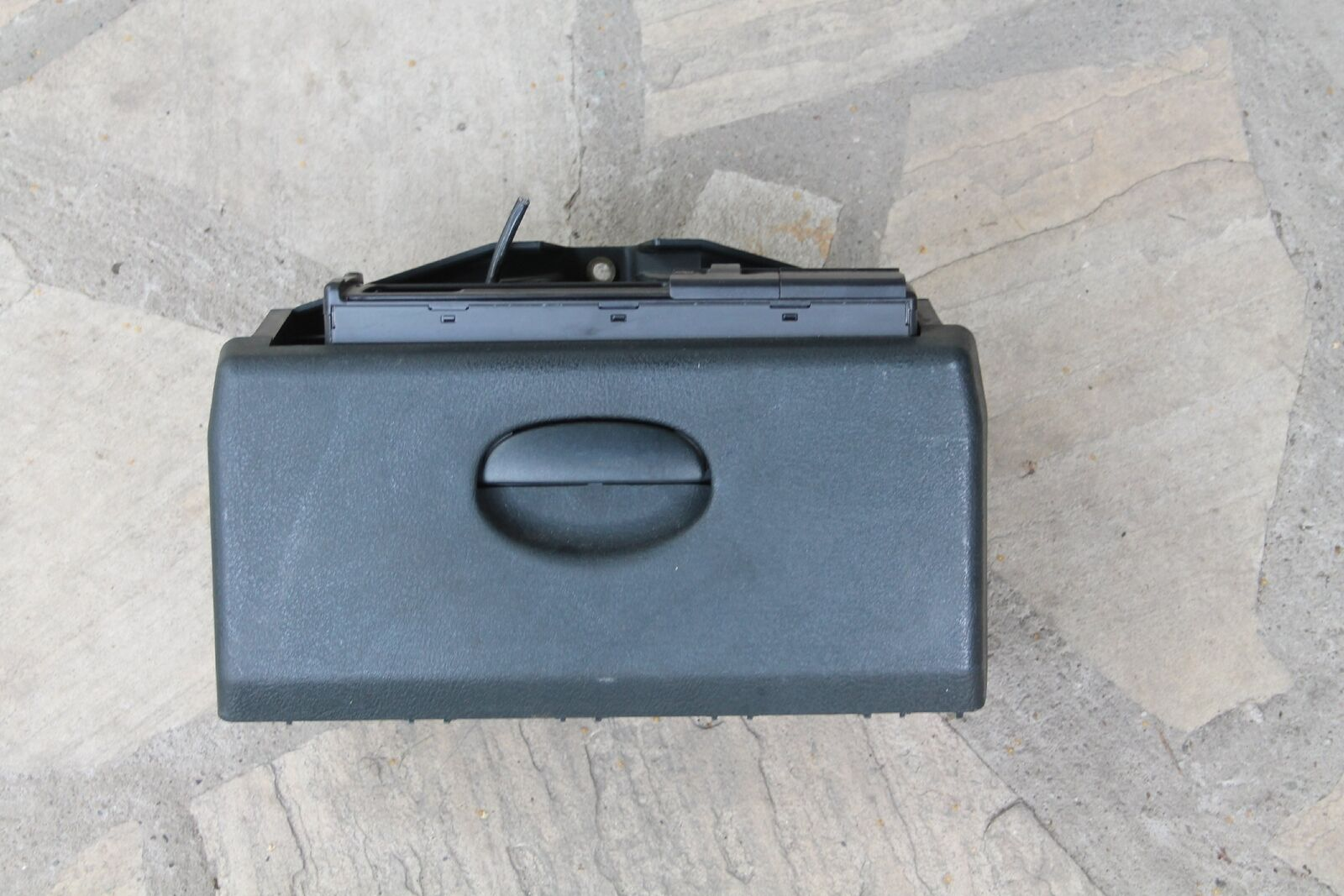 Renault Megane I Bj00 Cd Changer Discchanger In Glove Box 7700423003 Scenic Fuse 1 Of 5only Available