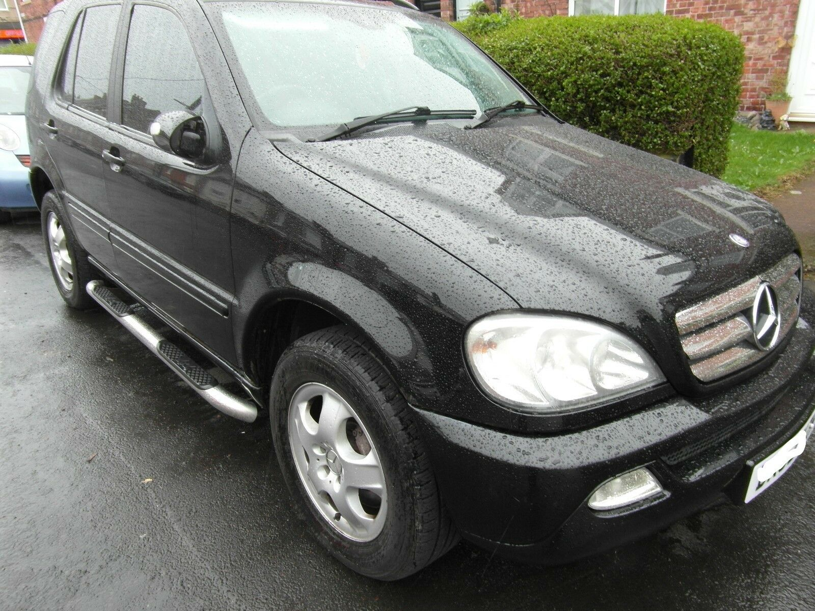Mercedes ML 270 CDI 6 speed Manual 1 of 7 See More