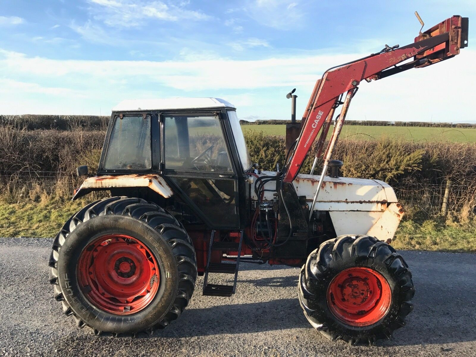 Case David Brown 1690 loader tractor 4x4 No Vat Delivery available 1 of 11  See More
