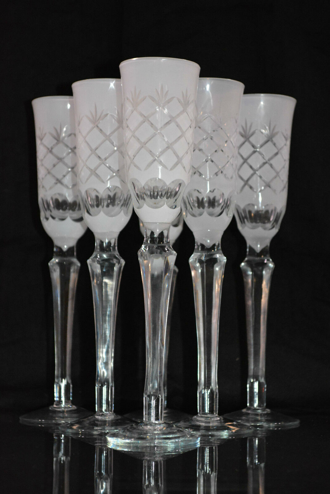 lot de 6 verres flutes a champagne en verre blanc taille eur 170 00 picclick fr. Black Bedroom Furniture Sets. Home Design Ideas