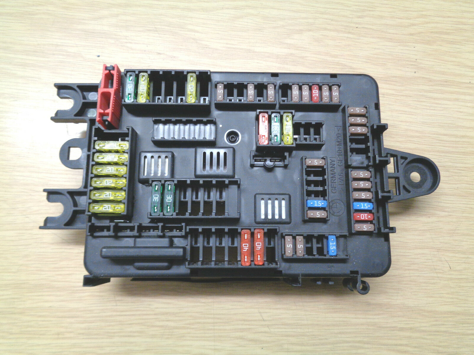 Bmw 1 Series F20 Fuse Box 926111103 3500 Picclick Uk F32 Of 2only Available