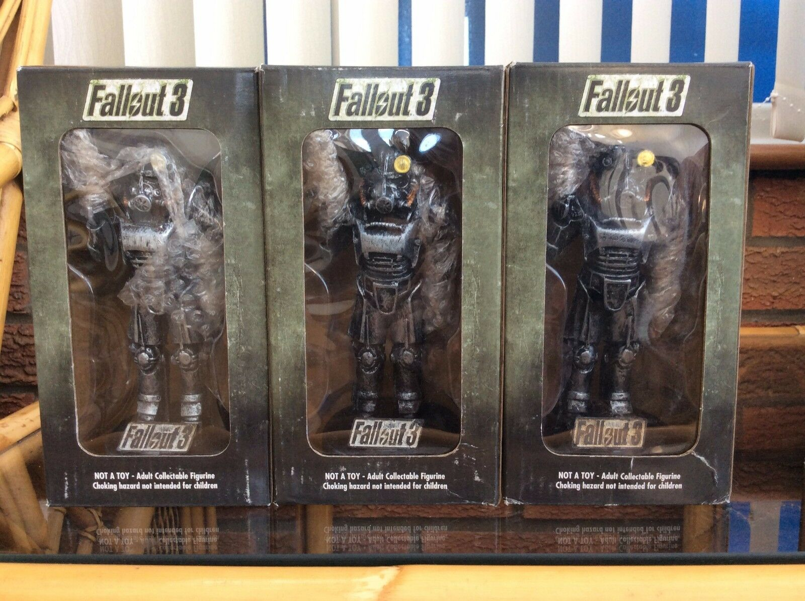 Fallout 3 Limited Edition Brotherhood Of Steel Statue