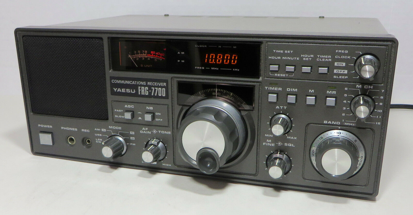 Yaesu FRG-7700 vintage AM Shortwave Communications Receiver Ham Radio 1 of  12 See More