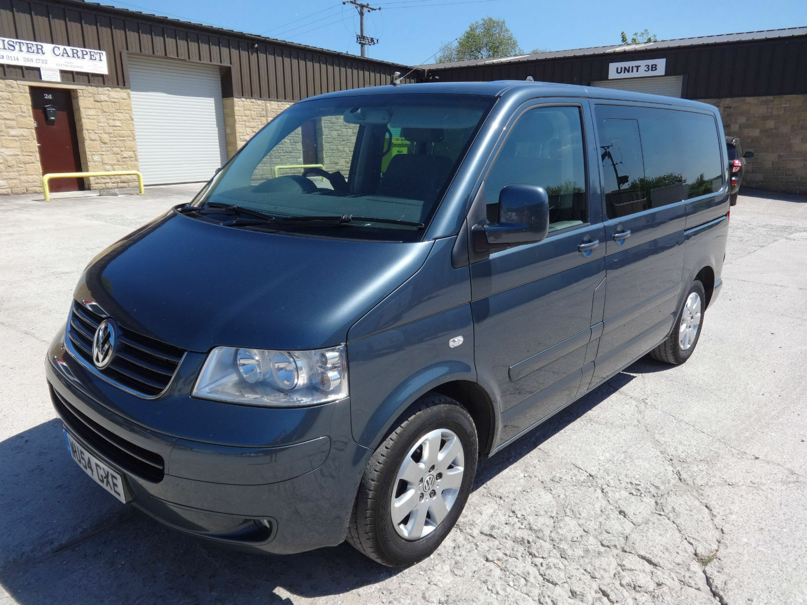 2005 vw caravelle 2 5tdi 174ps se t5 transporter 1 owner police authority 12. Black Bedroom Furniture Sets. Home Design Ideas