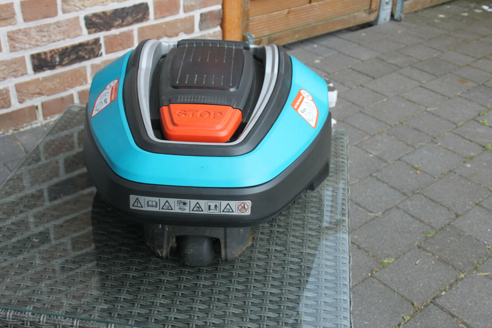 gardena automower r40 li rasenroboter m hroboter akku rasenm her top eur 800 00 picclick de. Black Bedroom Furniture Sets. Home Design Ideas