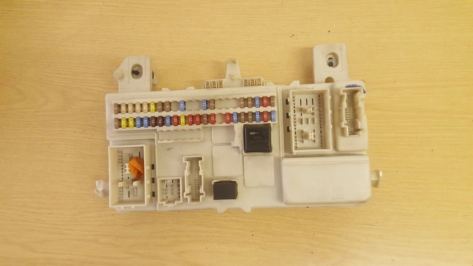 Genuine Volvo S40 V50 Fuse Box 8690722 11050 Picclick Uk Location 1 Of 3only Available
