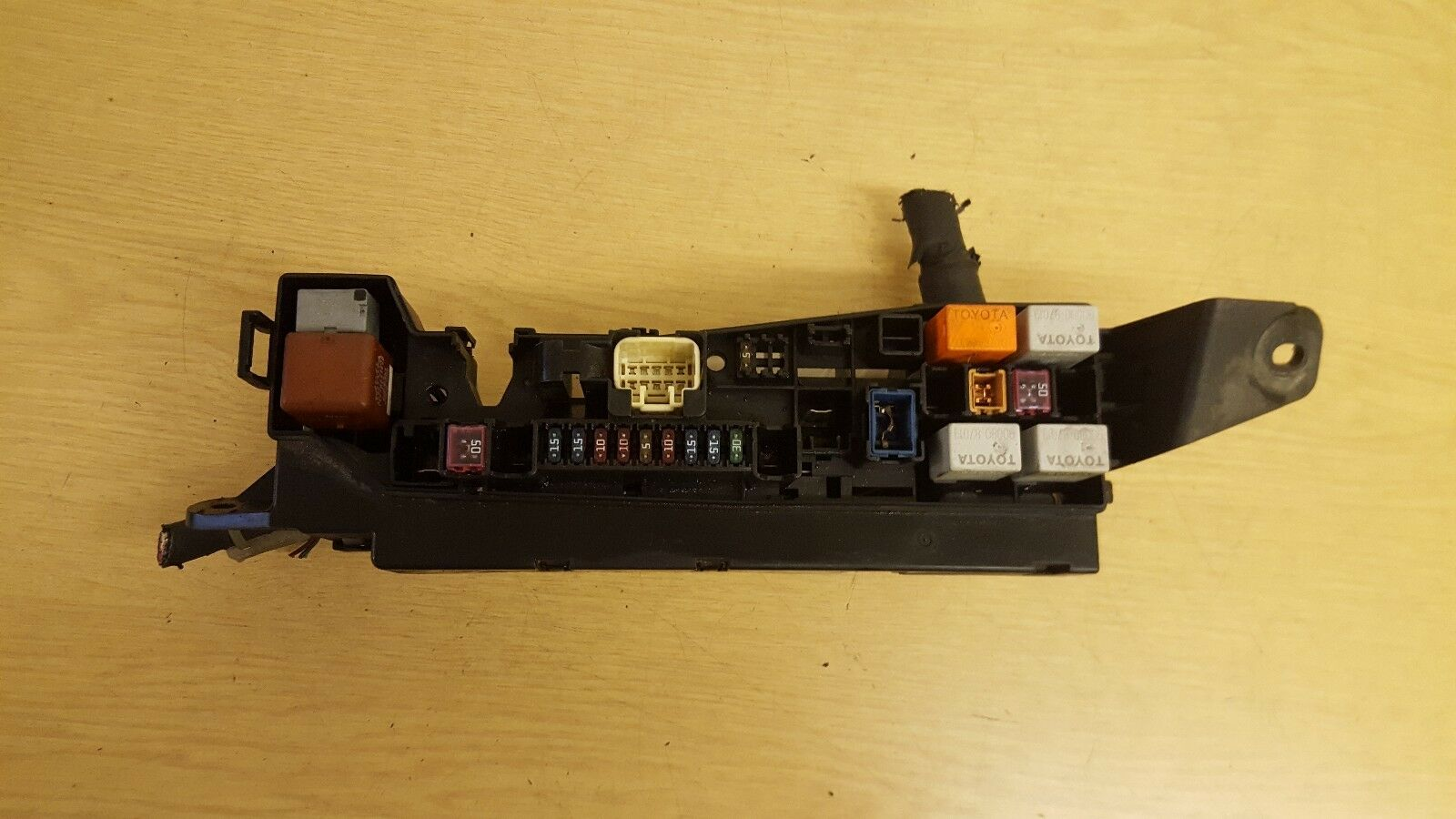 Toyota Corolla 14 Vvt I Fuse Box 2999 Picclick Uk 1 Of 1only Available