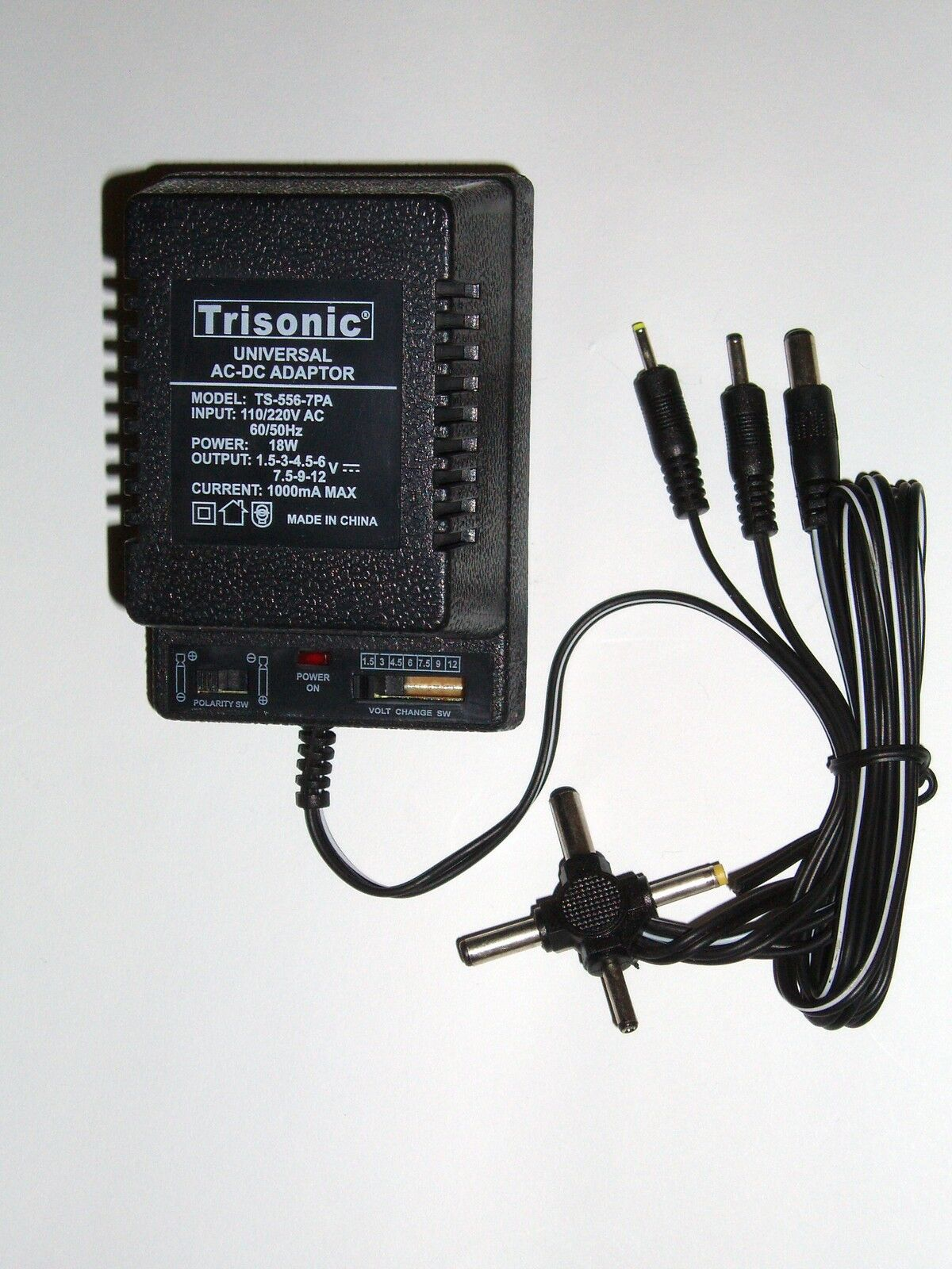 UNIVERSAL AC/DC POWER Adapter Output 1.5-3-4.5-6-7.5-9-12 V 1000 mA ...