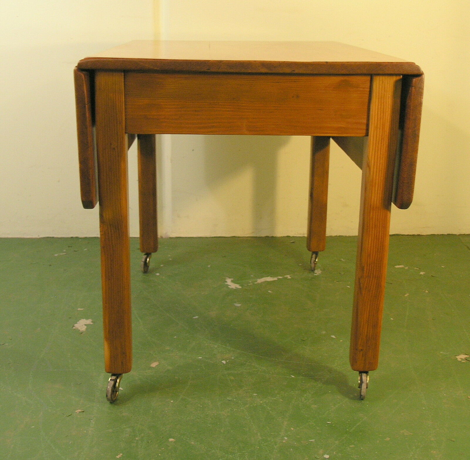 Antique drop leaf work table dining kitchen c1910 refinished pine sturdy 052 picclick - Drop leaf kitchen table ...